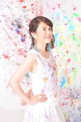 190629_Akimuse_profil270408.jpg