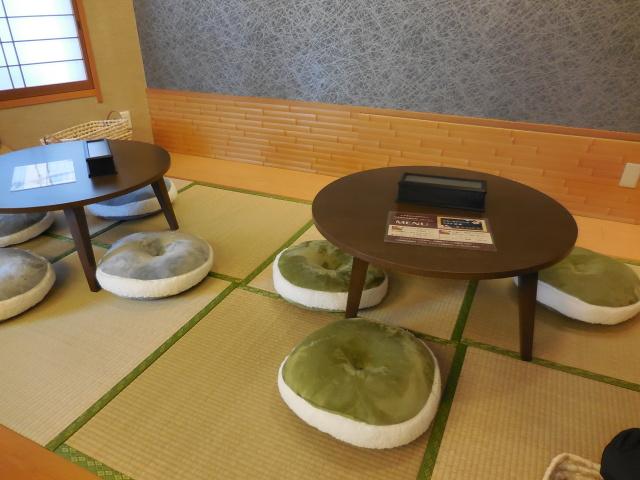 Toyama-Curry-interior02.jpg